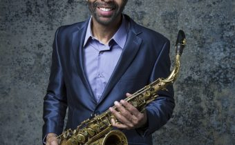 mac1098_kenny_garrett_pr1147_300rgb_by_jimmy_katz 2