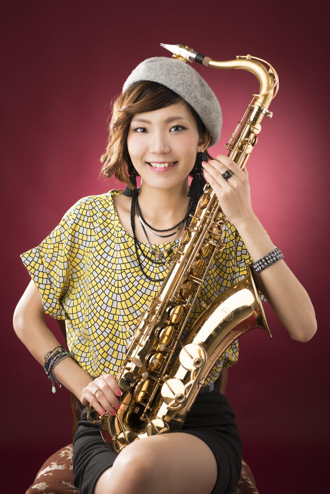 テナー・サックス・プレイヤー清水玲奈のリーダー・ライブ   Sax world